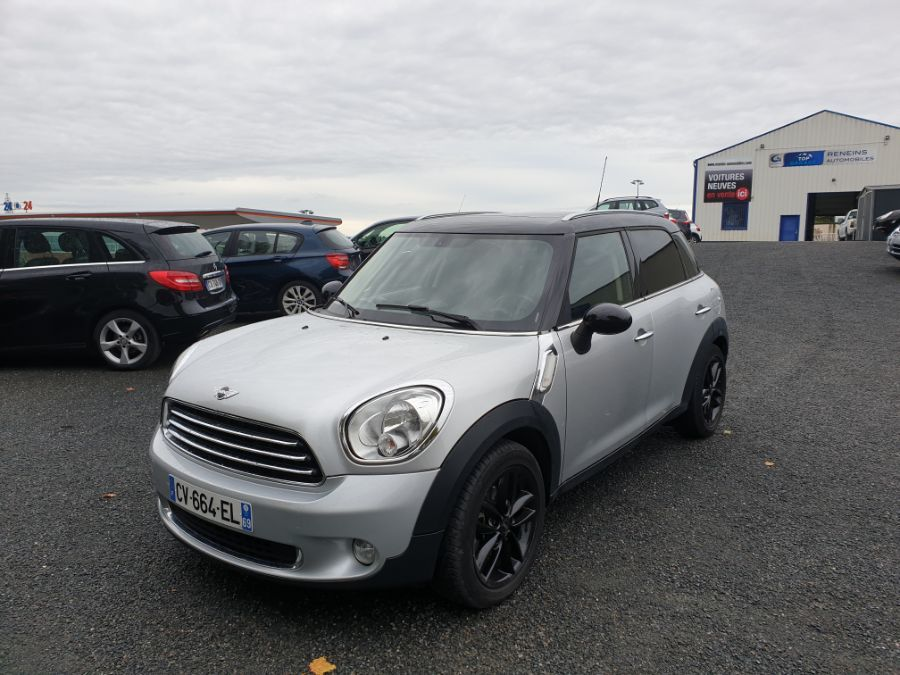 Mini COUNTRYMAN - COOPER D 112CH PACK RED HOT CHILI BVA (2013)